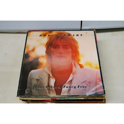 480 - Vinyl - Rock & Pop collection of approx 25 LP's to include Rod Stewart, Joe Cocker, The Byrds, Eric ...