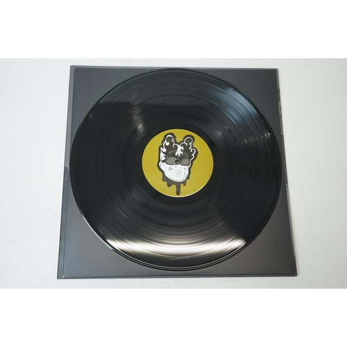 38 - Vinyl - Arctic Monkey Favourite Worst Nightmare LP on Domino DNO136 ex/ex