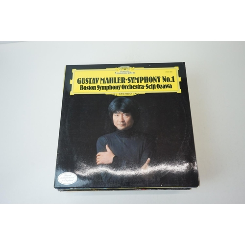 129 - Vinyl - Around 35 Classical LPs plus 3 box sets to include Beethoven, sleeves and vinyl vg