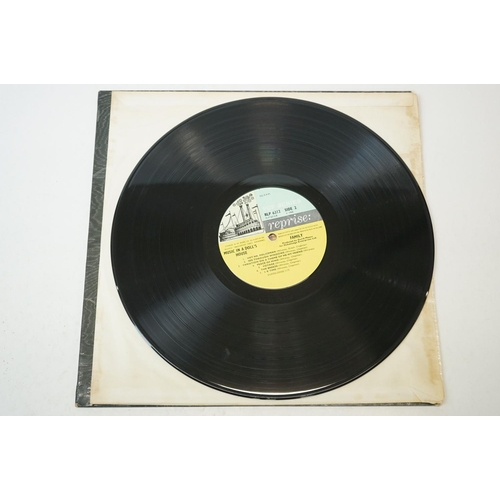 139 - Vinyl - Family, Music in a Dolls House LP on Reprise NLP6312 Reprise Steamboat label, insert include...