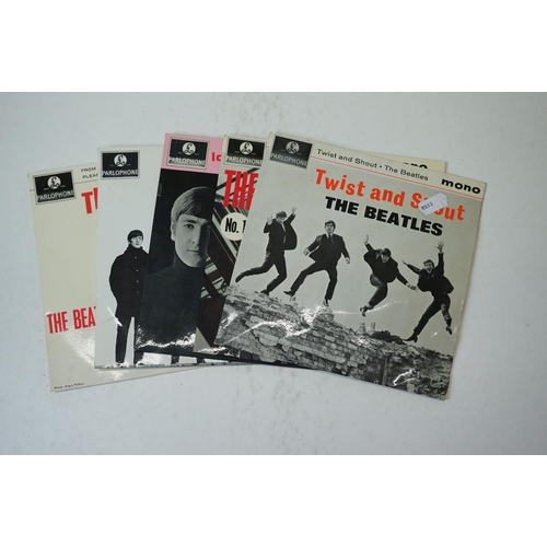 32 - Vinyl - The Beatles 5 EP's to include The Beatles Hits (GEP 8880), Twist & Shout (GEP 8882), No 1 (G...