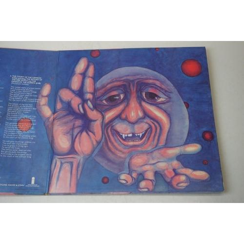 891 - Vinyl - King Crimson In The Court of the Crimson King LP on Island ILPAS 9111 gatefold sleeve, EJ Da...