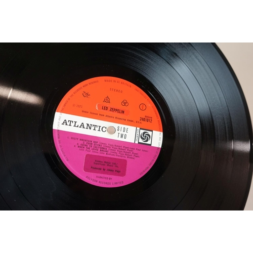 529 - Vinyl - Led Zeppelin Four Symbols LP on Atlantic Deluxe 2401012, red/plum label with replacement sti...