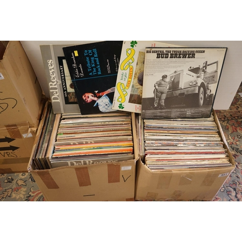 951 - Vinyl - Around 200 LPs featuring Country, MOR, Easy Listening etc, sleeves gd+-vg, vinyl vg++ (two b...