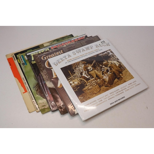 983 - Vinyl - Around 200 various LPs to include Country, Easy Listening, MOR etc, vg+ overall (two boxes)