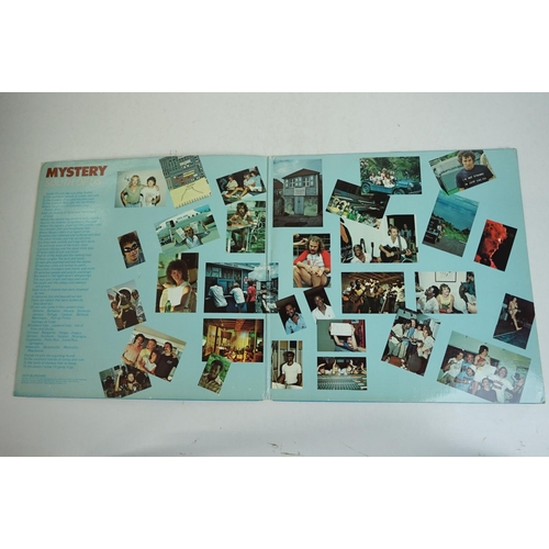1042 - Vinyl - Collection of 19 Rock & Pop LP's featuring The Smiths x 2 (self titled & Hatful Of Hollow), ...