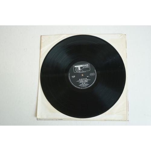 1052 - Vinyl - The Who The Who Sell Out (Track 613002 Stereo). Sleeve VG has some creasing and bends, Vinyl...