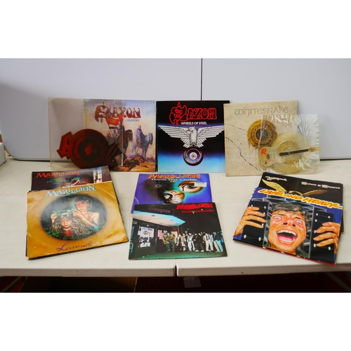 997 - Vinyl - Collection of over 20 LP's and 7 singles mainly heavy rock and metal including Kiss, Marilli...