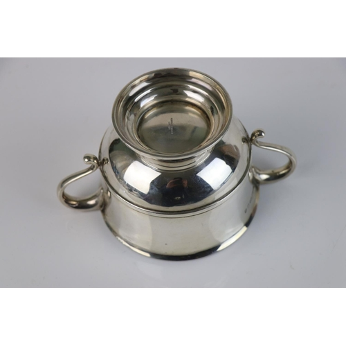 215 - A fully hallmarked sterling silver porringer, maker marked for Mappin & Webb, assay marked for Londo...