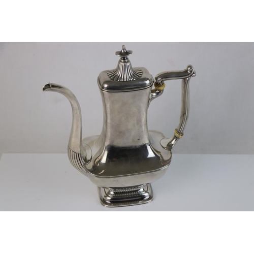 217 - A hallmarked sterling silver 1 1/2 pint hot chocolate / coffee pot, assay marked for Birmingham, mar...