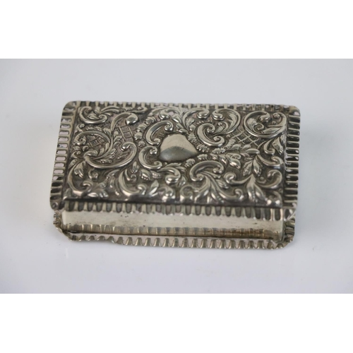 236 - A fully hallmarked sterling silver snuff box, maker marked for Adie & Lovekin Ltd, assay marked for ...