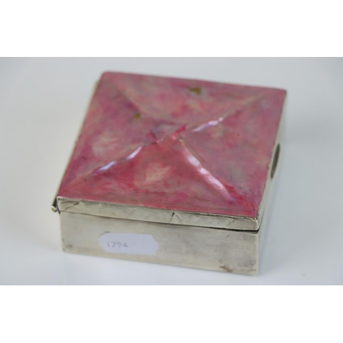 276 - A fully hallmarked sterling silver cigarette box, maker marks indistinct, assay marked for Birmingha...