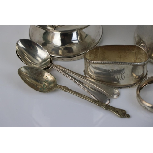 285 - A collection of fully hallmarked sterling silver to include sugar bowl, cup, napkin rings and teaspo...