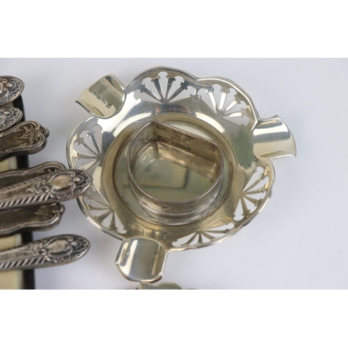 325 - A collection of fully hallmarked sterling silver items to include two ashtrays, a bonbon dish, a cas...