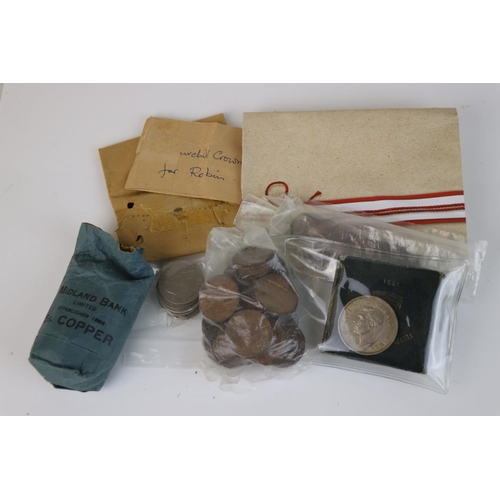 465 - A collection of mainly pre-decimal British coins to include silver examples.