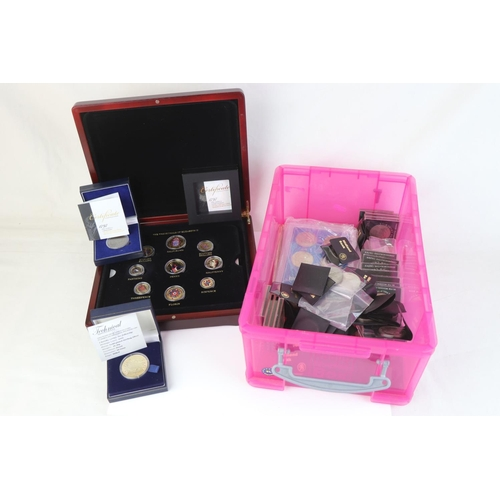 528 - A collection of mixed British coins to include a cased coins of Queen Elizabeth II set, Cartwheel pe...
