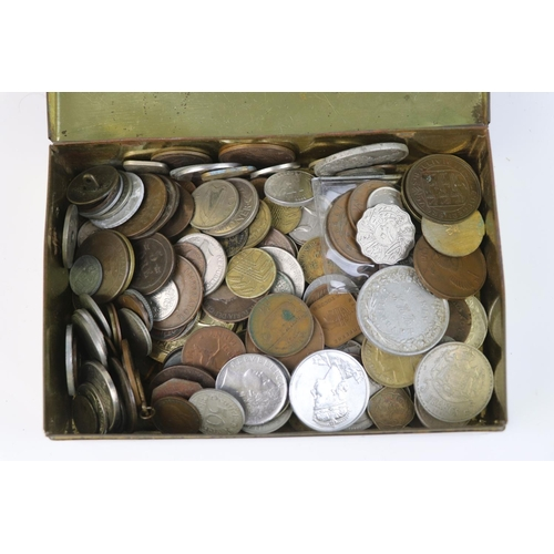 570 - A collection of mixed 19th and 20th century British and world coins.