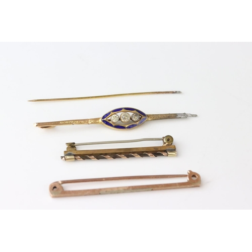 73 - 9ct gold bar brooch together with two yellow metal bar brooches (af)