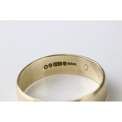 71 - 9ct yellow gold wedding band, width approx 2mm, ring size M½, together with a 9ct yellow gold plain ...