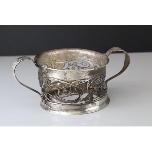 167 - Silver twin handled bowl, pierced ivy leaf and scroll decoration to body, fully hallmarked (af and m...