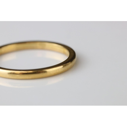 47 - 22ct yellow gold wedding band, ring size R