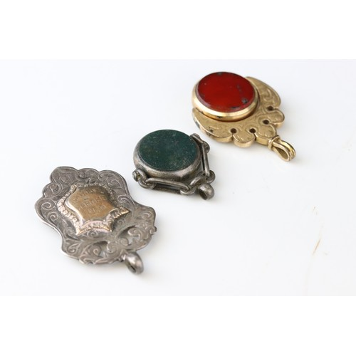 100 - Silver Albert with two silver toggles, each link hallmarked, detached bloodstone agate silver swivel...