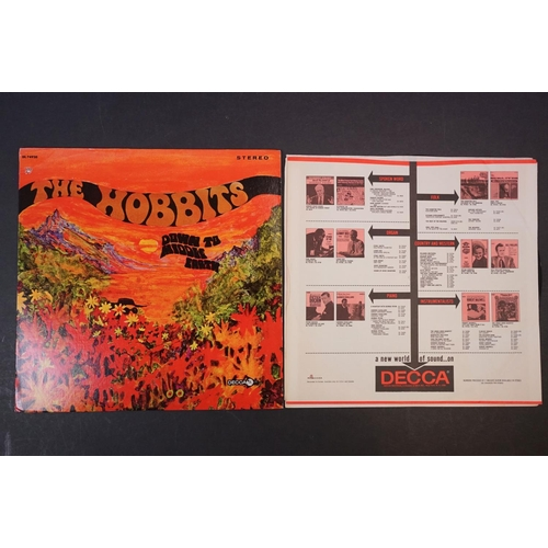 101 - Vinyl - Two The Hobbits LPs Down To Middle Earth on Decca DL74920 Stereo, with red Decca inner sleev...