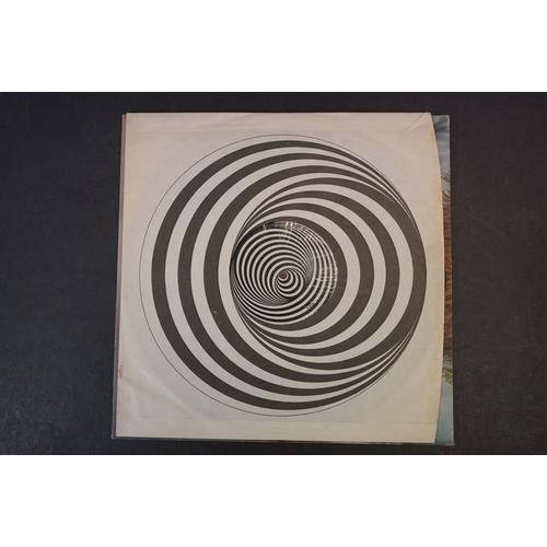 1134 - Vinyl - Gentle Giant - Gentle Giant. Original UK 1970 1st pressing large swirl Vertigo label pressin...