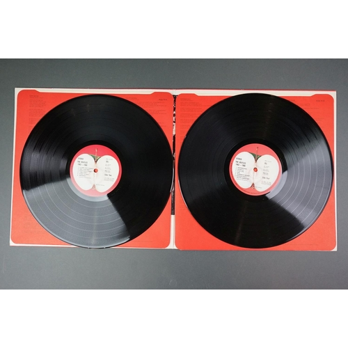 1143 - Vinyl - Beatles / Wings / Tom Jones 4 LP's to include 1962/66 and 67/70 from the Beatles both black ...