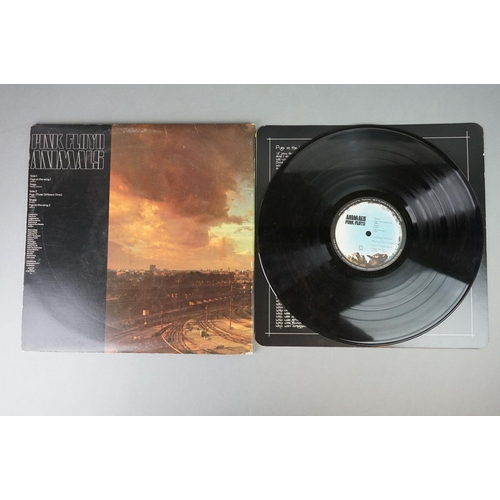 122 - Vinyl - Pink Floyd Animals (SHVL 815) non barcode gatefold sleeve with G&L card inner with rounded e...