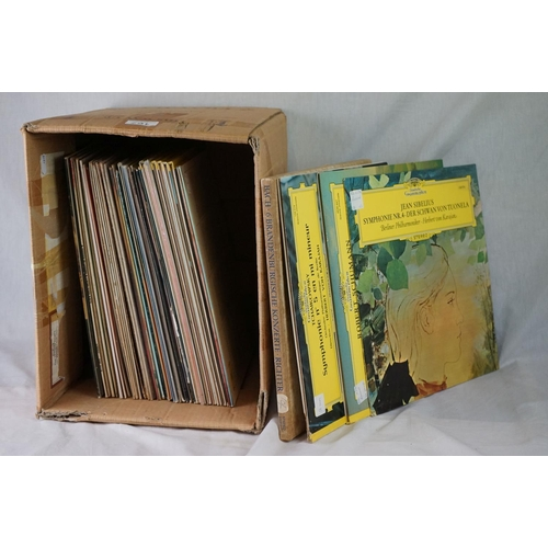 167 - Vinyl - Classical approx 40 LP's to include several Deutsche Grammophon releases.  Condition of slee...