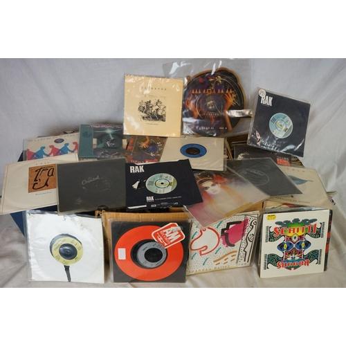 184 - Vinyl - Approx 200 vinyl 7