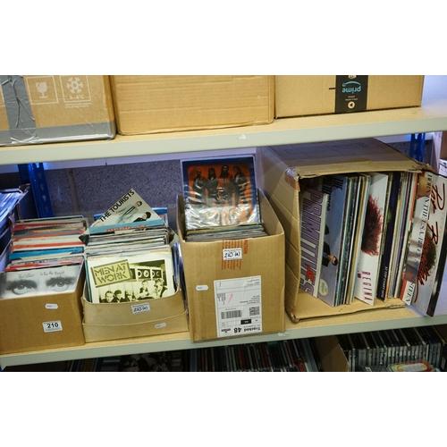 210 - Vinyl - Approx 130 vinyl 7
