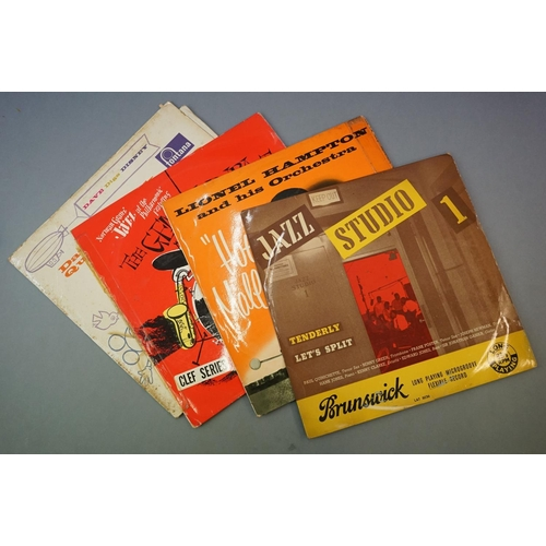 310 - Vinyl - Jazz, a collection of 25 LPs to include Jimmy Smith, Gene Krupa, Dave Brubeck, Sarah Vaughan...
