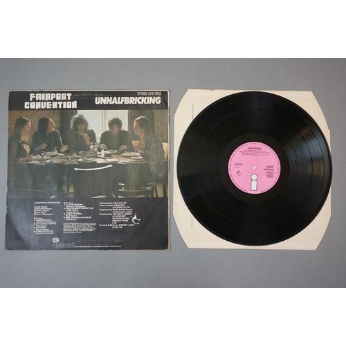 321 - Vinyl - Fairport Convention Unhalfbricking (ILPS 9102) Island white 'i' label on pink background.  S...