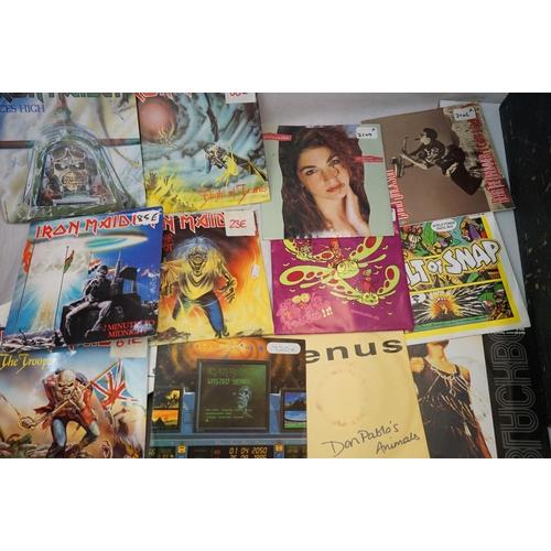 374 - Vinyl - Approx 400 vinyl 7