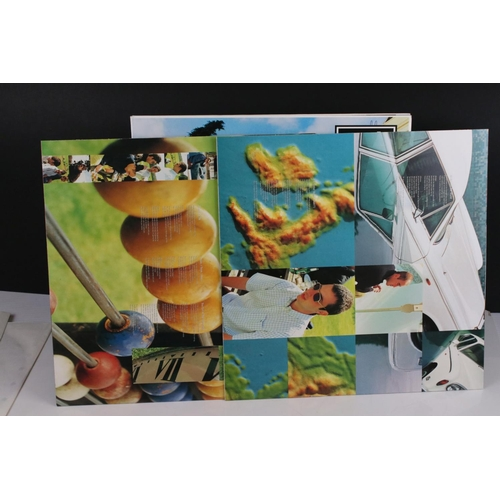 10 - Vinyl - Oasis Be Here Now 2 LP on Creation CRELP219, sleeve ex, vinyl vg+ with a couple of marks