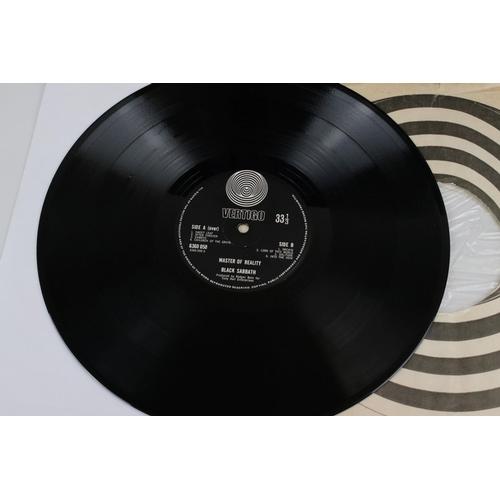 24 - Vinyl - Black Sabbath Masters of Reality LP on Vertigo 6360050, box cover, no poster, Vertigo swirl ...