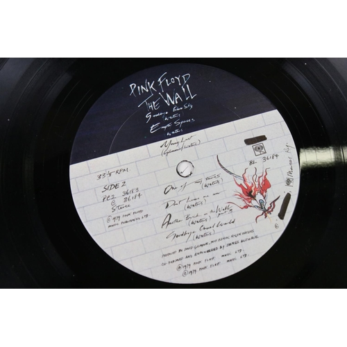 36 - Vinyl - Pink Floyd The Wall LP (CBS 36183) US pressing paper inner and 'Pink Floyd The Wall' 10x18cm...