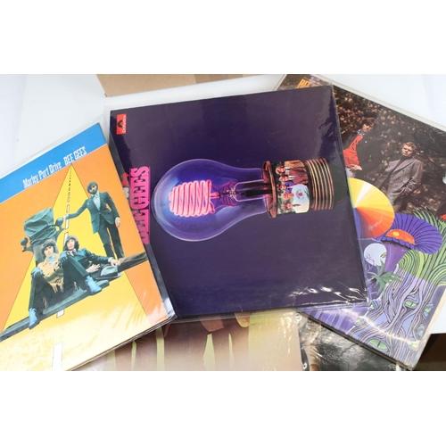 428 - Vinyl - Around 60 1960/70s Rock / Pop / Beat LPs to include Man, Hollies, Donovan, Faces etc, sleeve...