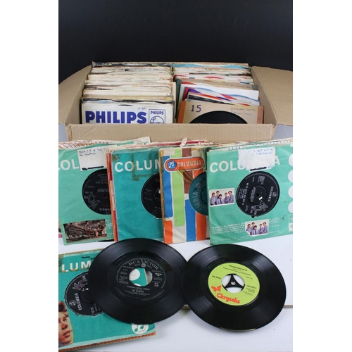449 - Vinyl - Around 140 Rock and Pop 45s from the 1960s onwards to include The Beatles, Moody Blues, Kink...