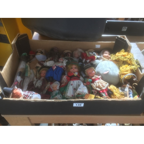 139 - Box Vintage Dolls...