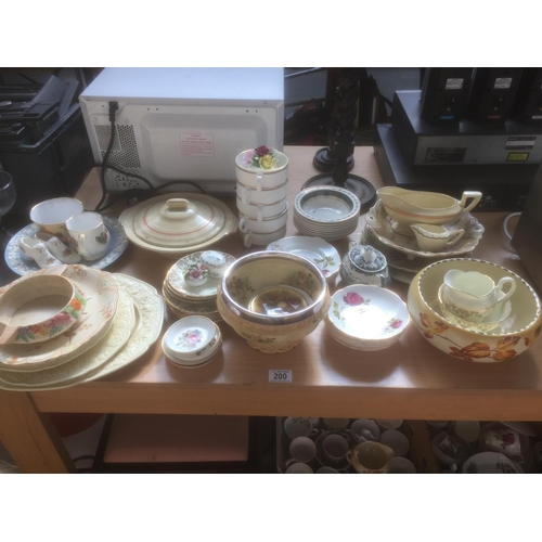 200 - Quantity of Ceramics - Royal Doulton, Myott, Crown Devon, etc...