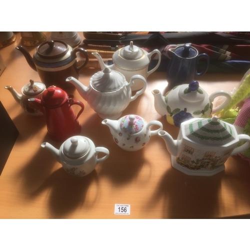 156 - Quantity of Teapots...