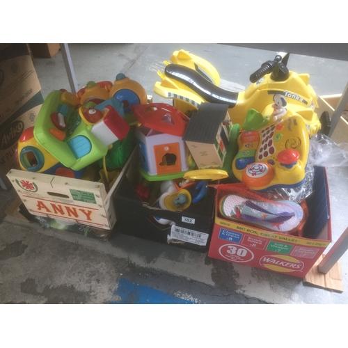 552 - Quantity of Toys...