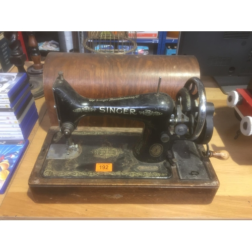 192 - Singer Sewing Machine...
