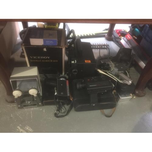 327 - Quantity of Vintage Camera Equipment, etc...