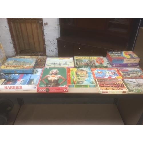446 - Quantity of Vintage Games, etc...
