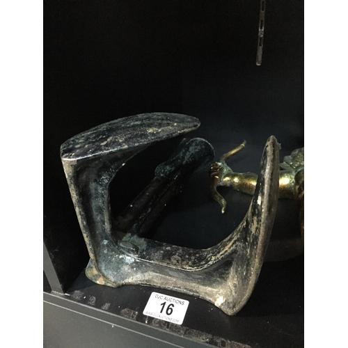 16 - Cast Shoe Last...