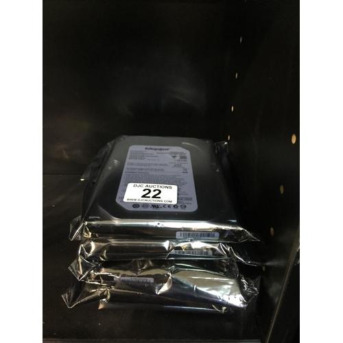 22 - 4 x Maxtor 80gb Hard Drives - New...